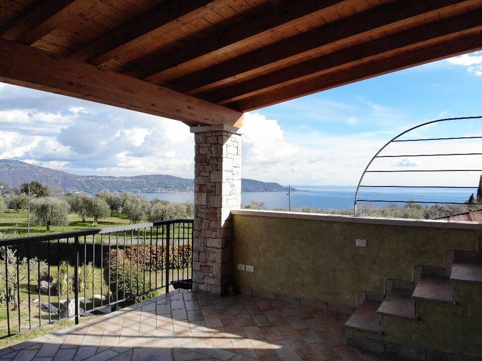Foto terrazza vista lago 3