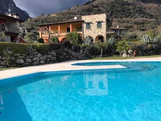 Foto esterni, piscina 4