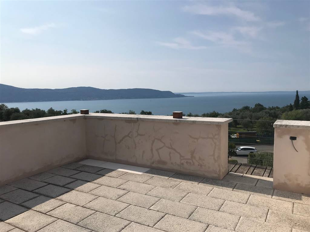 Foto terrazza vista lago 1