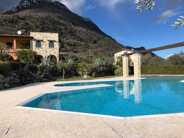 Foto esterni, piscina 5