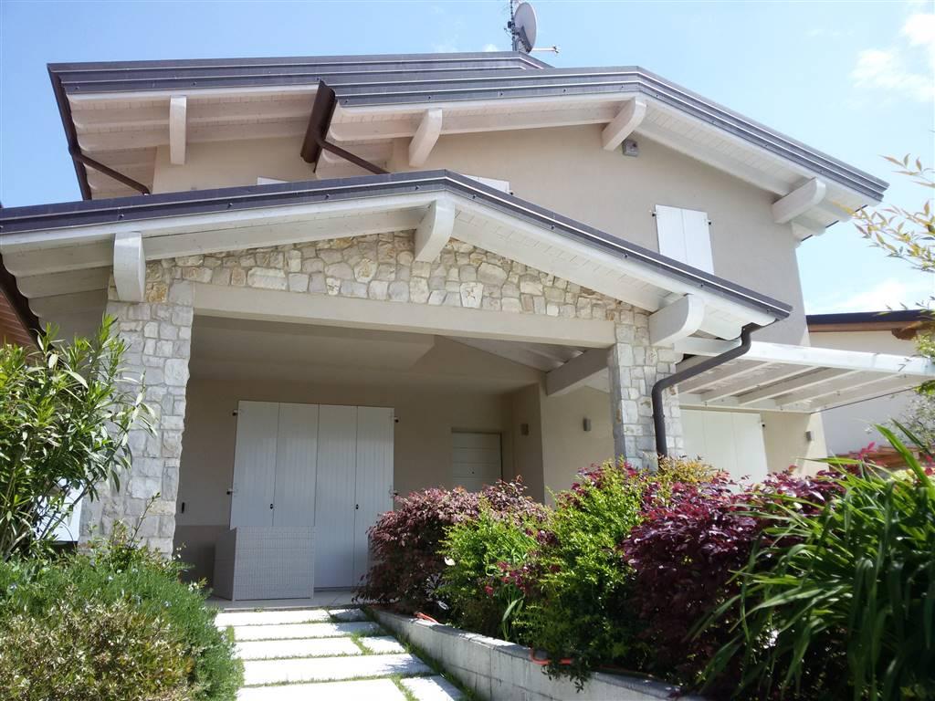Villa Bifamiliare in vendita a Sirmione, 6 locali, zona mbare, prezzo € 463.000 | PortaleAgenzieImmobiliari.it