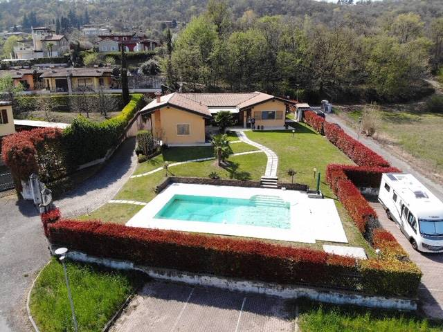Foto  giardino e piscina 4