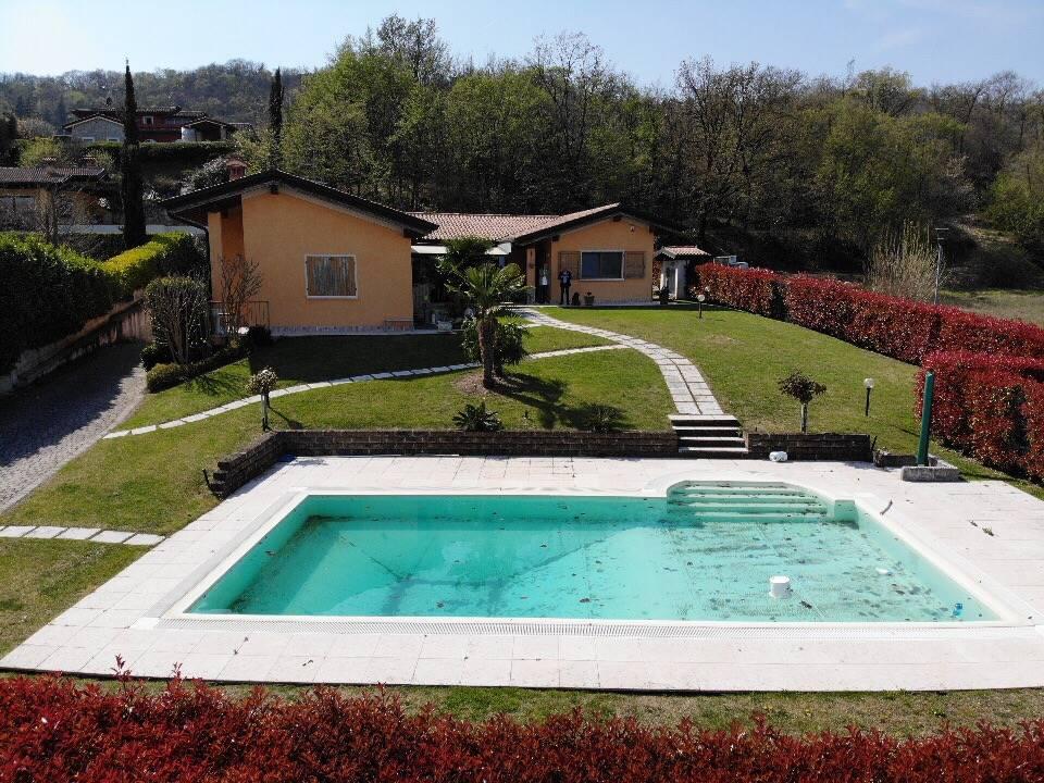 Foto giardino e piscina 3