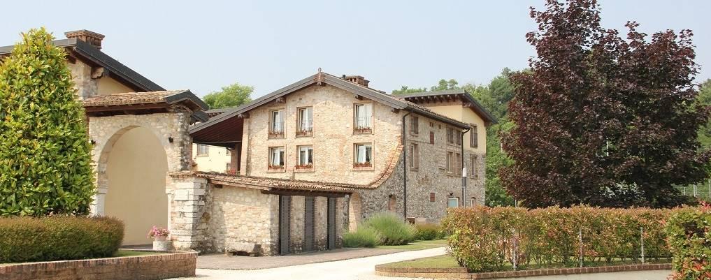 Appartamento in vendita a Lonato, 3 locali, zona Zona: Barcuzzi, prezzo € 290.000 | CambioCasa.it