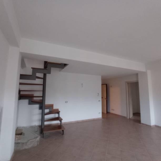 Appartamento in vendita a Borgo San Lorenzo, 4 locali, prezzo € 170.000 | CambioCasa.it