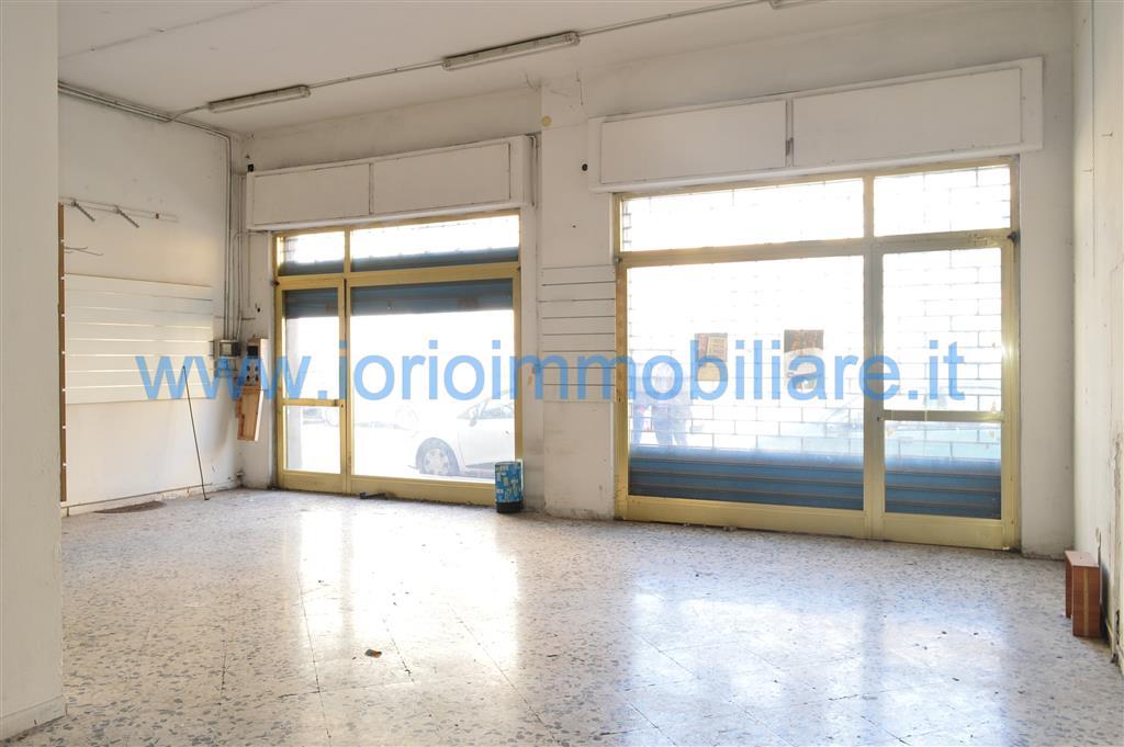 lf200-Locale Commerciale-SANTA-MARIA-CAPUA-VETERE-via-de-gasperi