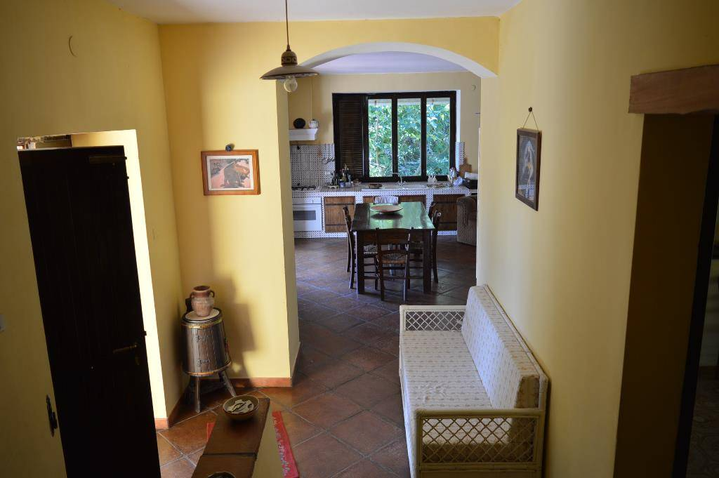 VV083b-Villa-LIBERI-Via-Case-sparse