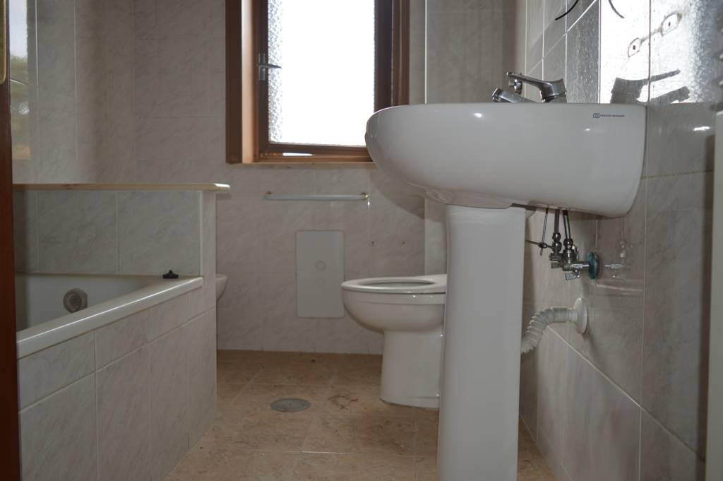 AV821b-Appartamento-SANTA-MARIA-CAPUA-VETERE-Via-Santella--
