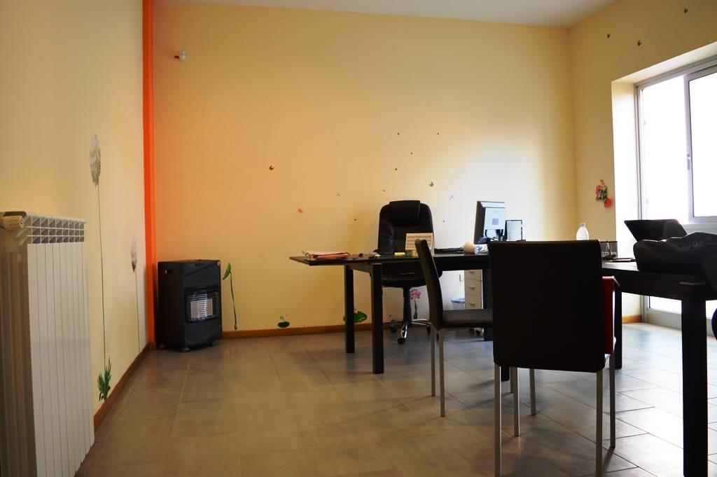 uv123A-Ufficio-SANTA-MARIA-CAPUA-VETERE-via-togliatti