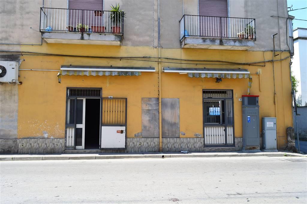 LV041A-Locale Commerciale-SANTA-MARIA-CAPUA-VETERE-Via-Togliatti-