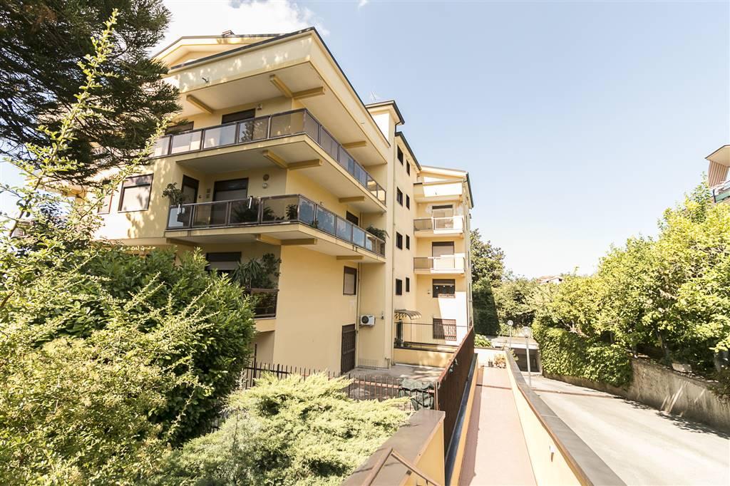 Trilocale in Via Tescione 163, Centro, Caserta