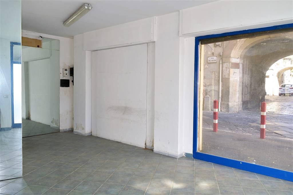 lf176a-Locale Commerciale-SANTA-MARIA-CAPUA-VETERE-Piazza-Mazzini