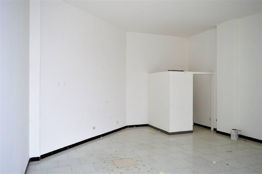 lf179-Locale Commerciale-SANTA-MARIA-CAPUA-VETERE-via-jan-palach