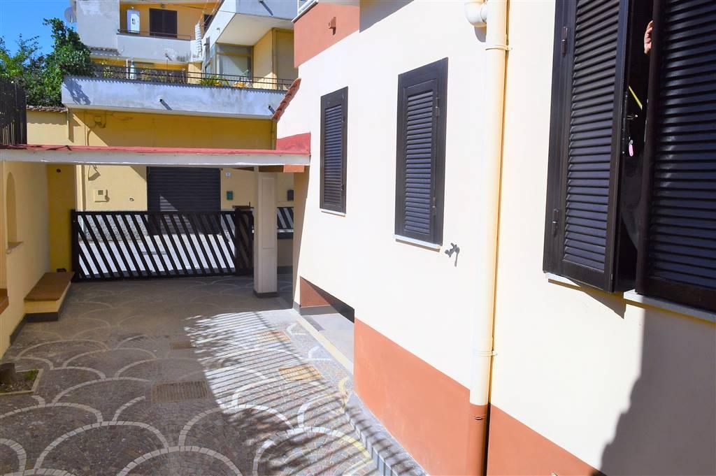 av937-Villa-SANTA-MARIA-CAPUA-VETERE-via-napoli-5-vico