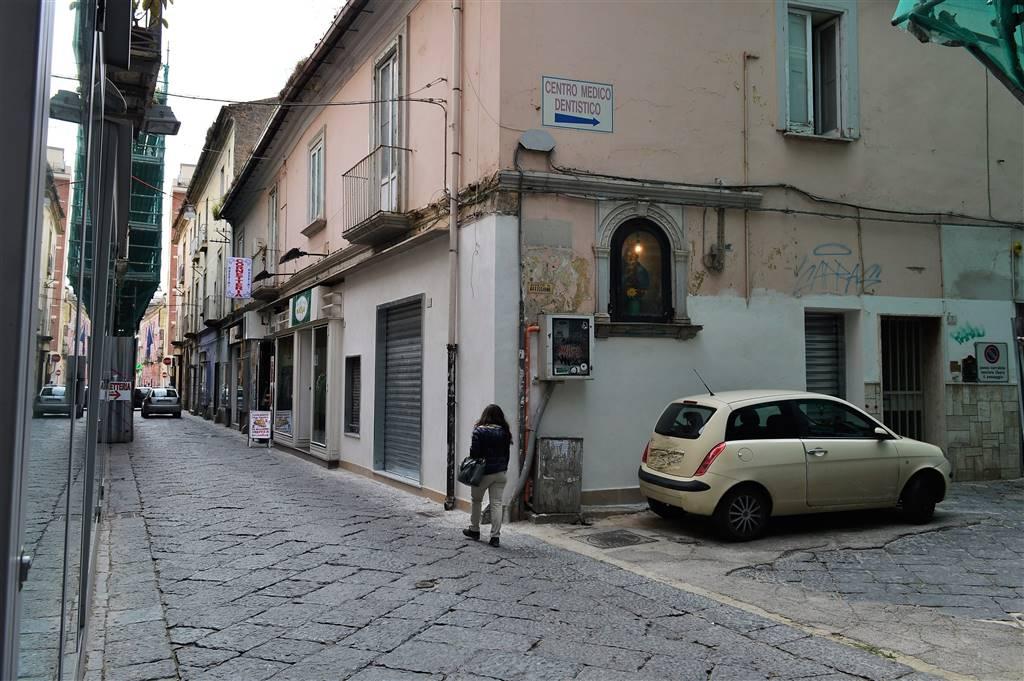 lfc145a-Locale Commerciale-CASERTA-via-Gian-Battista-Vico-