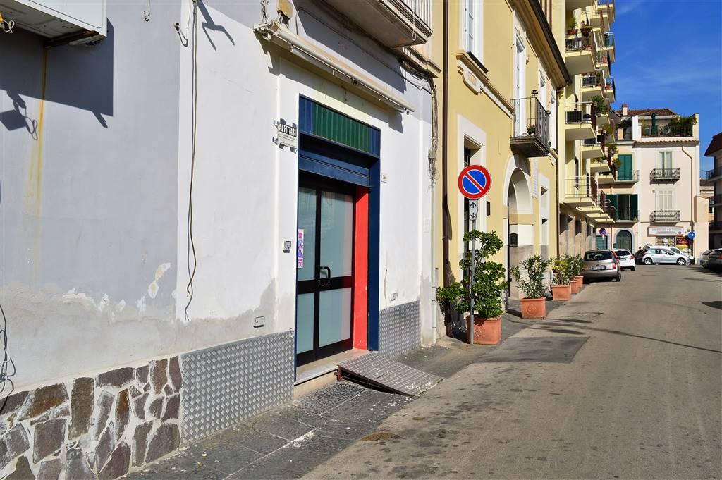 lf203-Locale Commerciale-SANTA-MARIA-CAPUA-VETERE-piazza-mazzini