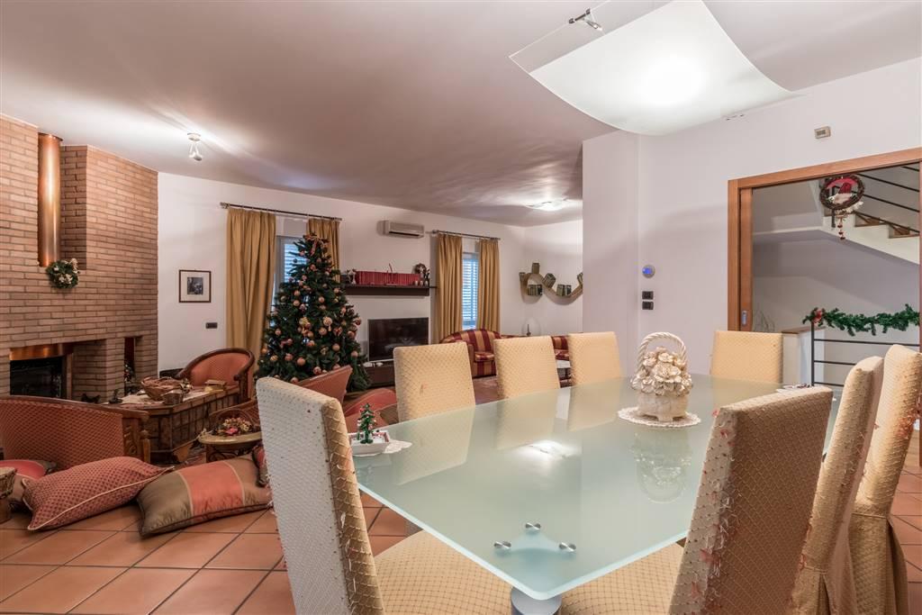 vv091b-Villa-SANTA-MARIA-CAPUA-VETERE-via-Santagata