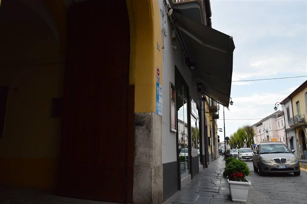 LF210-Locale Commerciale-SANTA-MARIA-CAPUA-VETERE-CORSO-ALDO-MORO