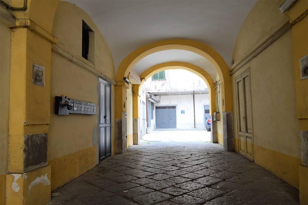 LF212-Locale Commerciale-SANTA-MARIA-CAPUA-VETERE-corso-aldo-moro