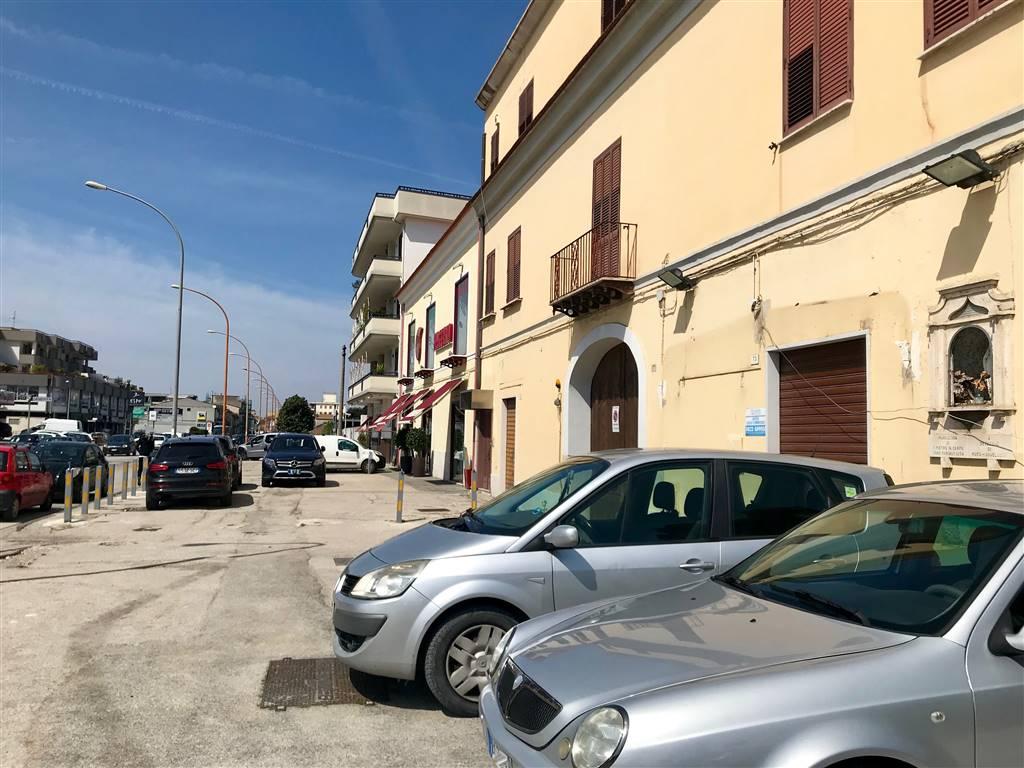LF211-Locale Commerciale-SANTA-MARIA-CAPUA-VETERE-Via-Caserta