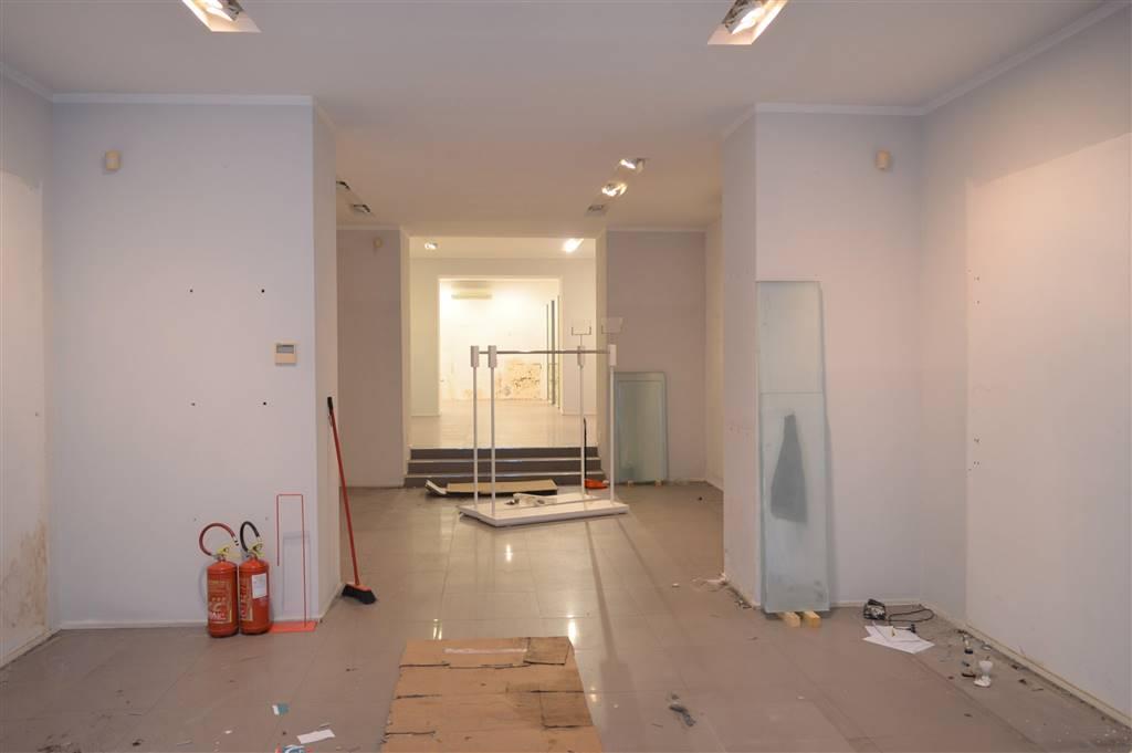 LFC205-Locale Commerciale-CASERTA-via-mazzini