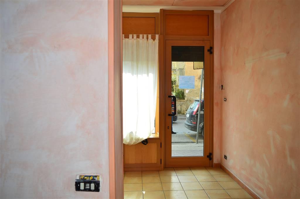 LFC139b-Locale Commerciale-CASERTA-Via-Ferrarecce