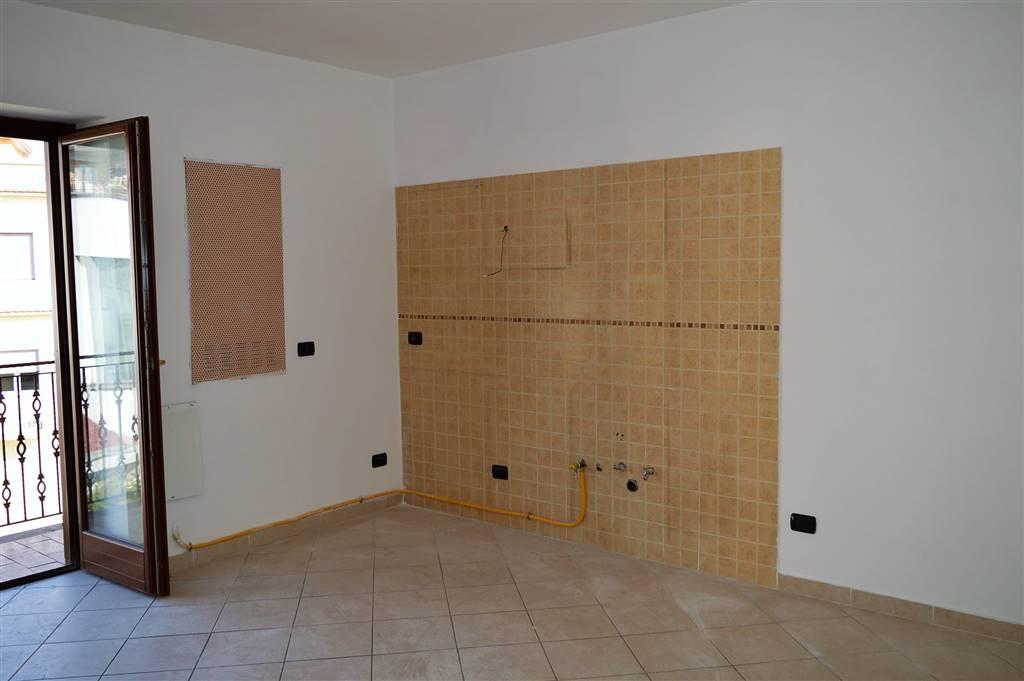 AF442b-Appartamento-SANTA-MARIA-CAPUA-VETERE-Piazza-Milbitz