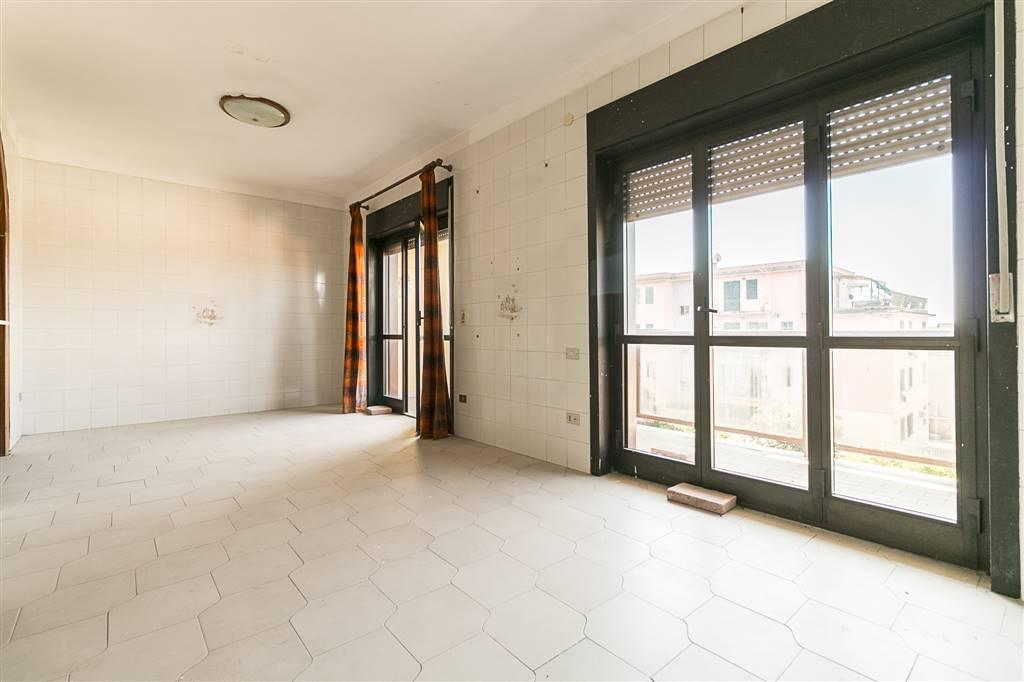 AVC275C-Appartamento-CASERTA-via-tescione