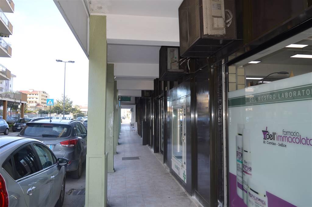 LCV093A-Locale Commerciale-SANTA-MARIA-CAPUA-VETERE-Via-Pezzella