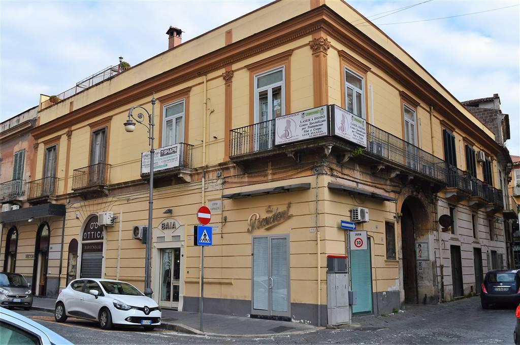 LF146D-Locale Commerciale-SANTA-MARIA-CAPUA-VETERE-Corso-Garibaldi