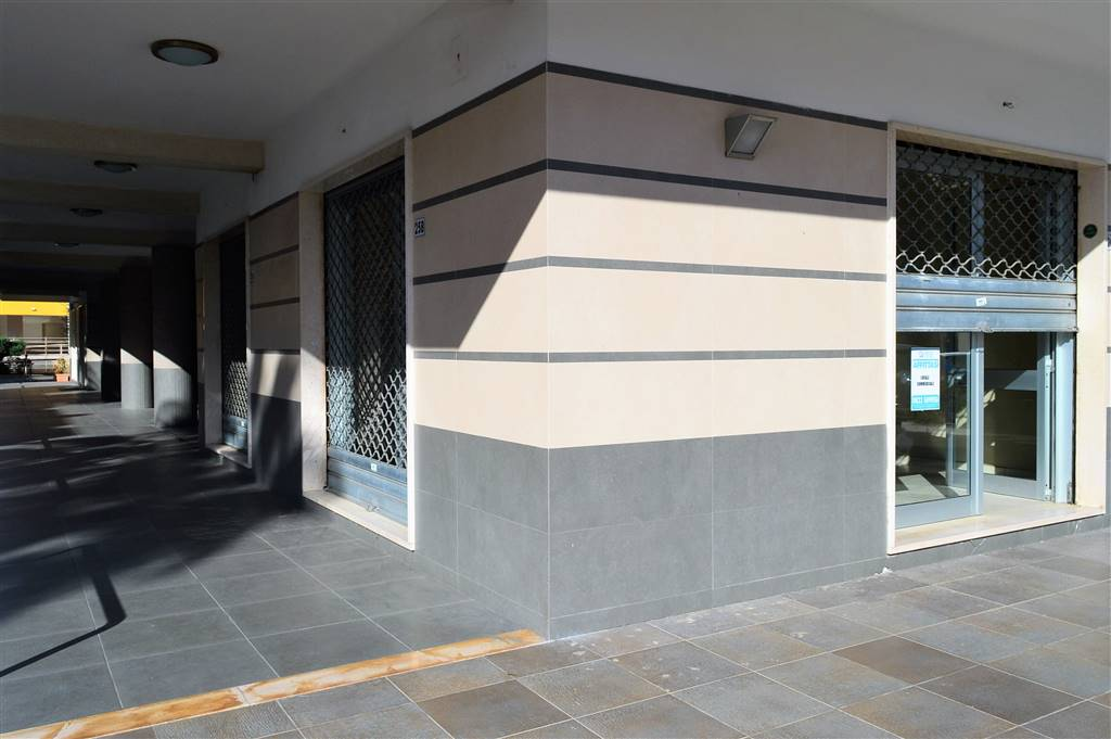lf218-Locale Commerciale-SAN-PRISCO-via-Agostino-Stellato-