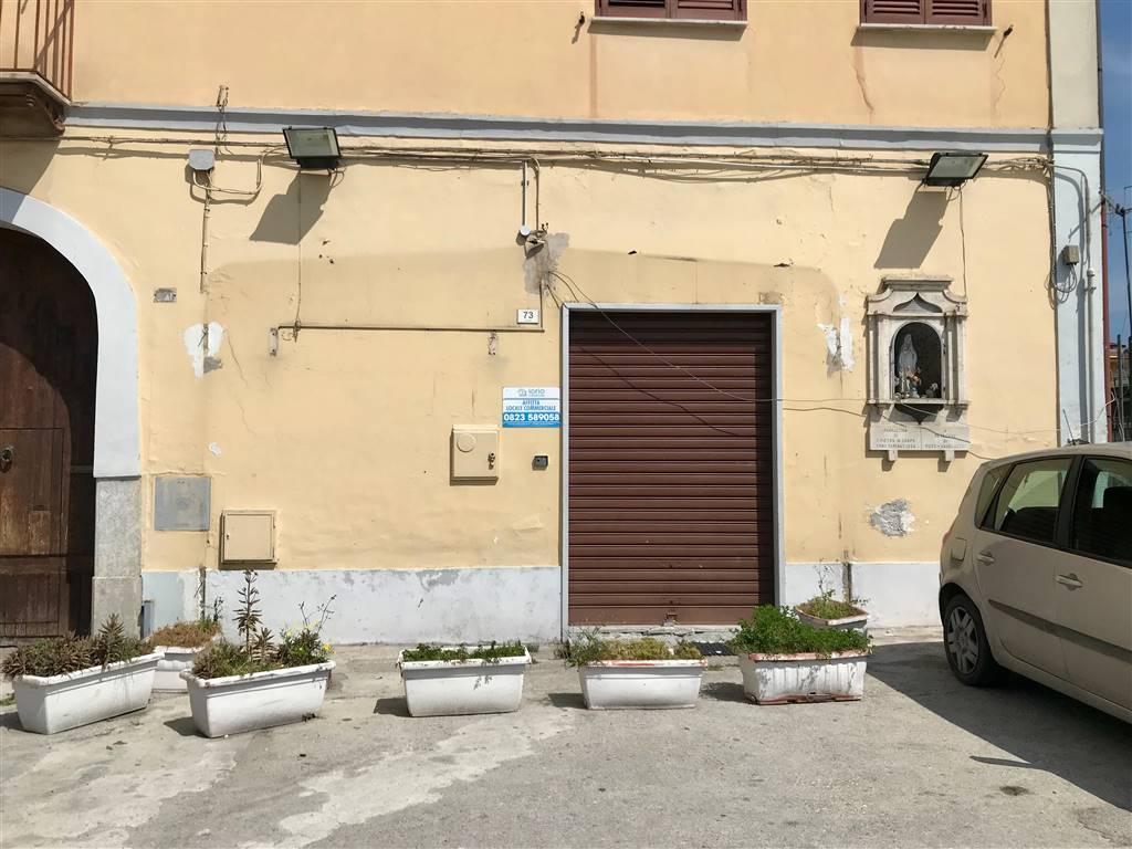 LF211A-Locale Commerciale-SANTA-MARIA-CAPUA-VETERE-Via-Caserta
