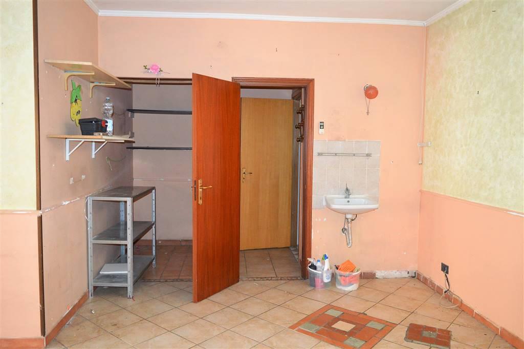LF224-Locale Commerciale-PORTICO-DI-CASERTA-Via-Tiziano