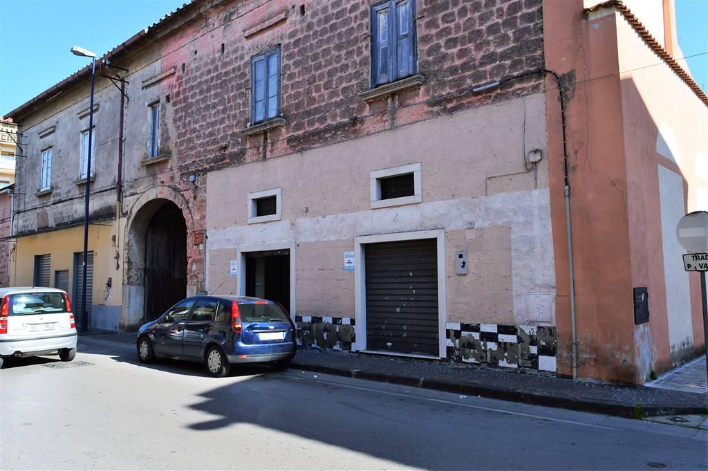 LF226-Locale Commerciale-CURTI-Via-Vittorio-Veneto