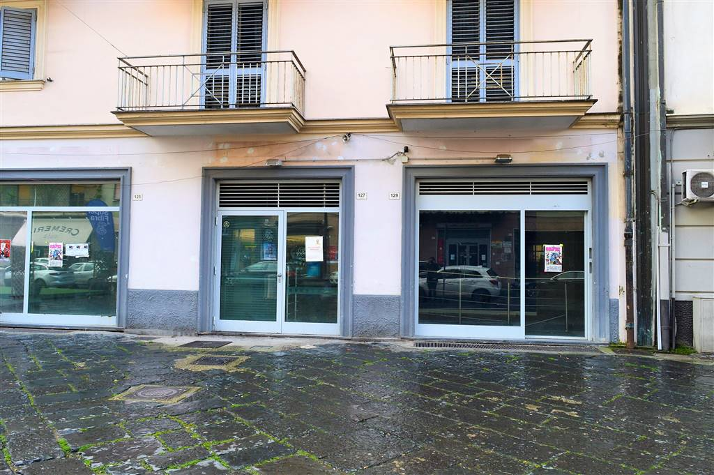 LF230-Locale Commerciale-SANTA-MARIA-CAPUA-VETERE-Corso-Aldo-Moro