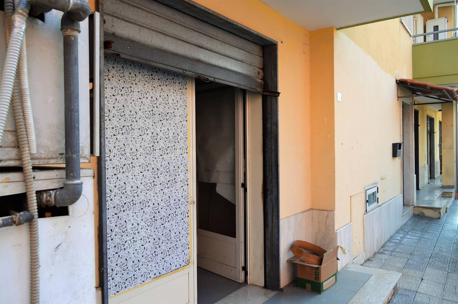 LF223A-Locale Commerciale-PORTICO-DI-CASERTA-Via-Tiziano-