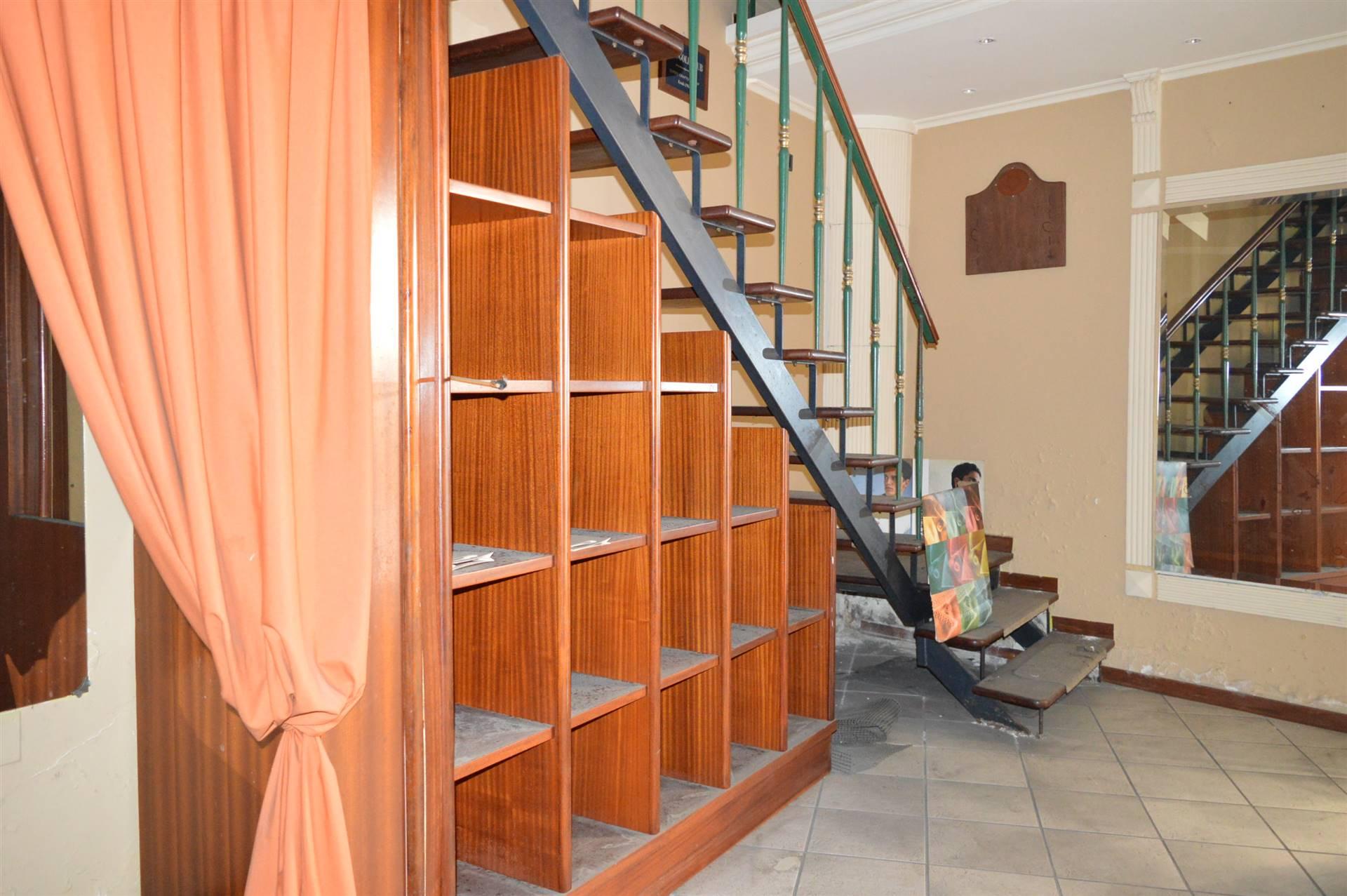 LF117E-Locale Commerciale-SANTA-MARIA-CAPUA-VETERE-Via-Antonio-Gramsci