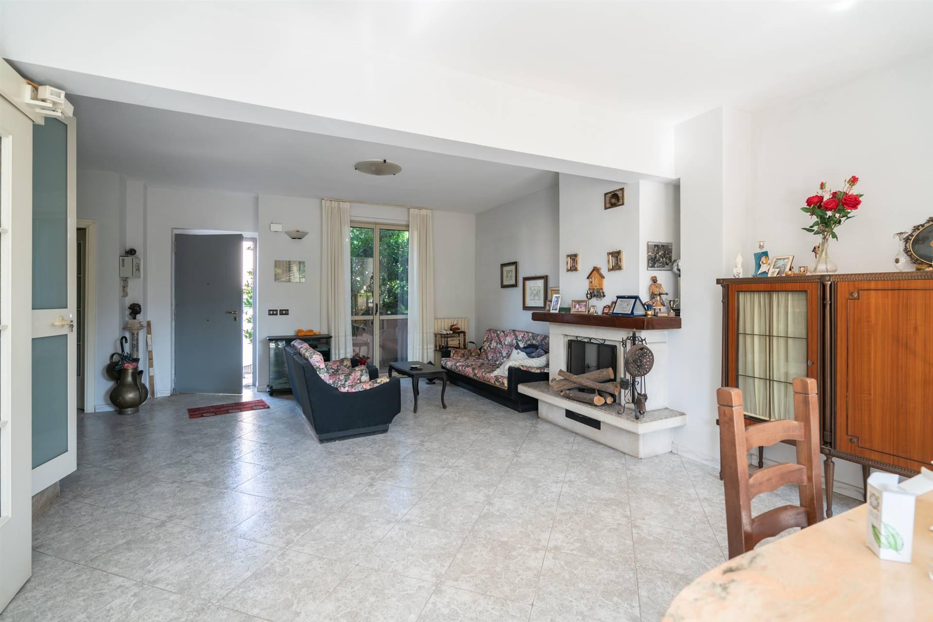 VVC045C-Villa-CASERTA-Via-Amendola