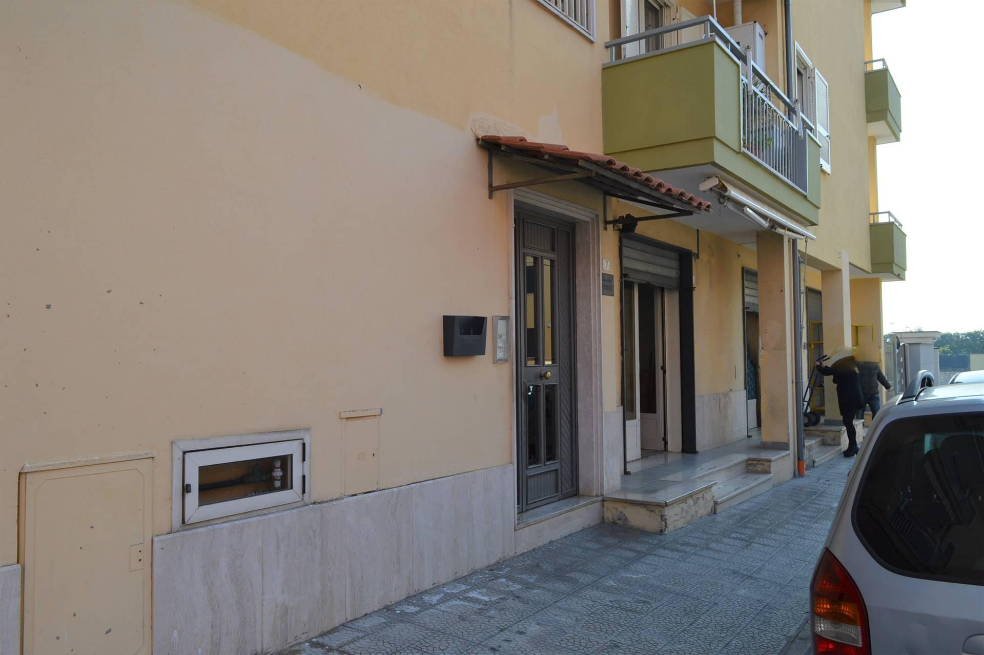 LF225C-Locale Commerciale-PORTICO-DI-CASERTA-Via-Tiziano