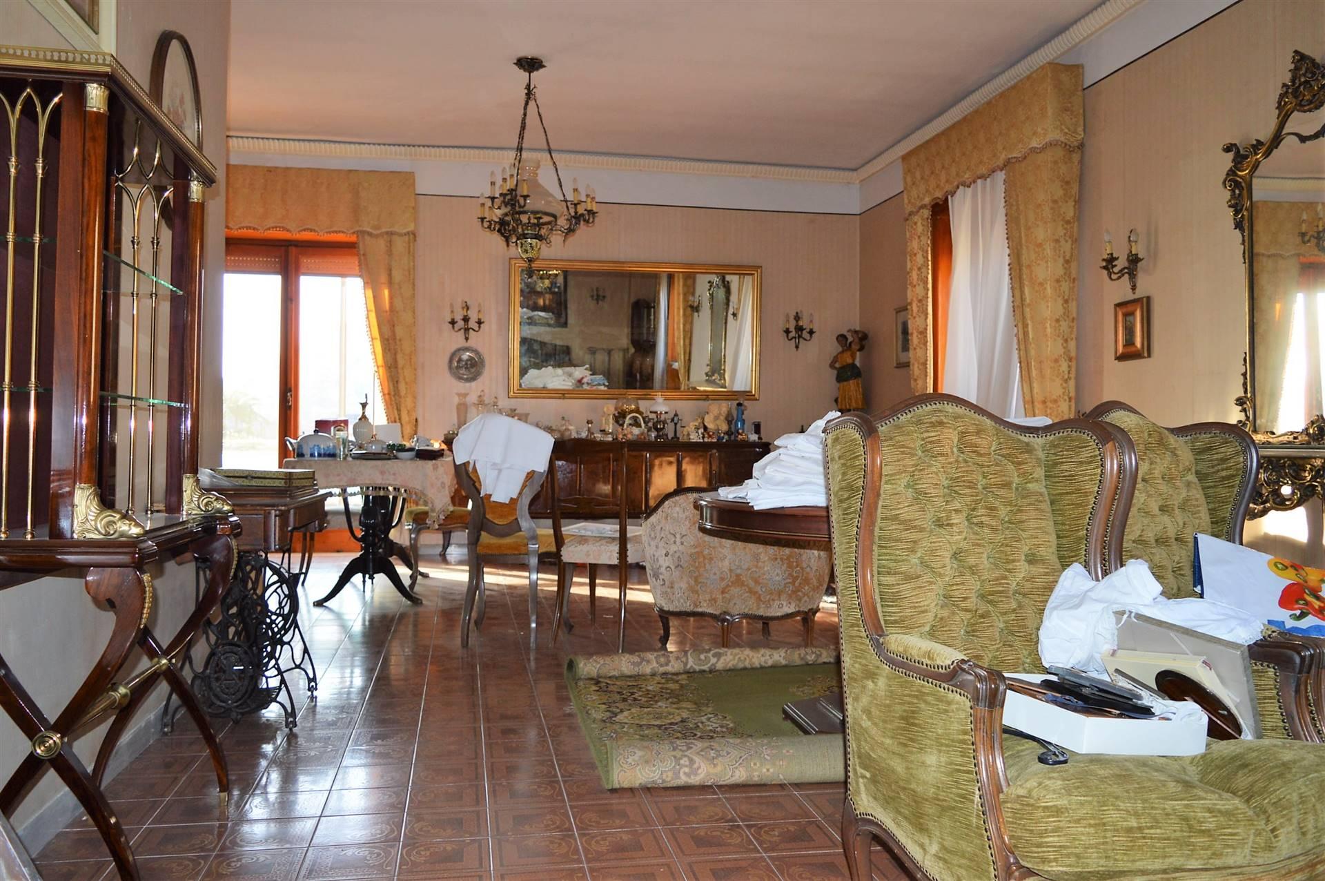 VVC044D-Villa-CASERTA-Via-Papa-Gennaro