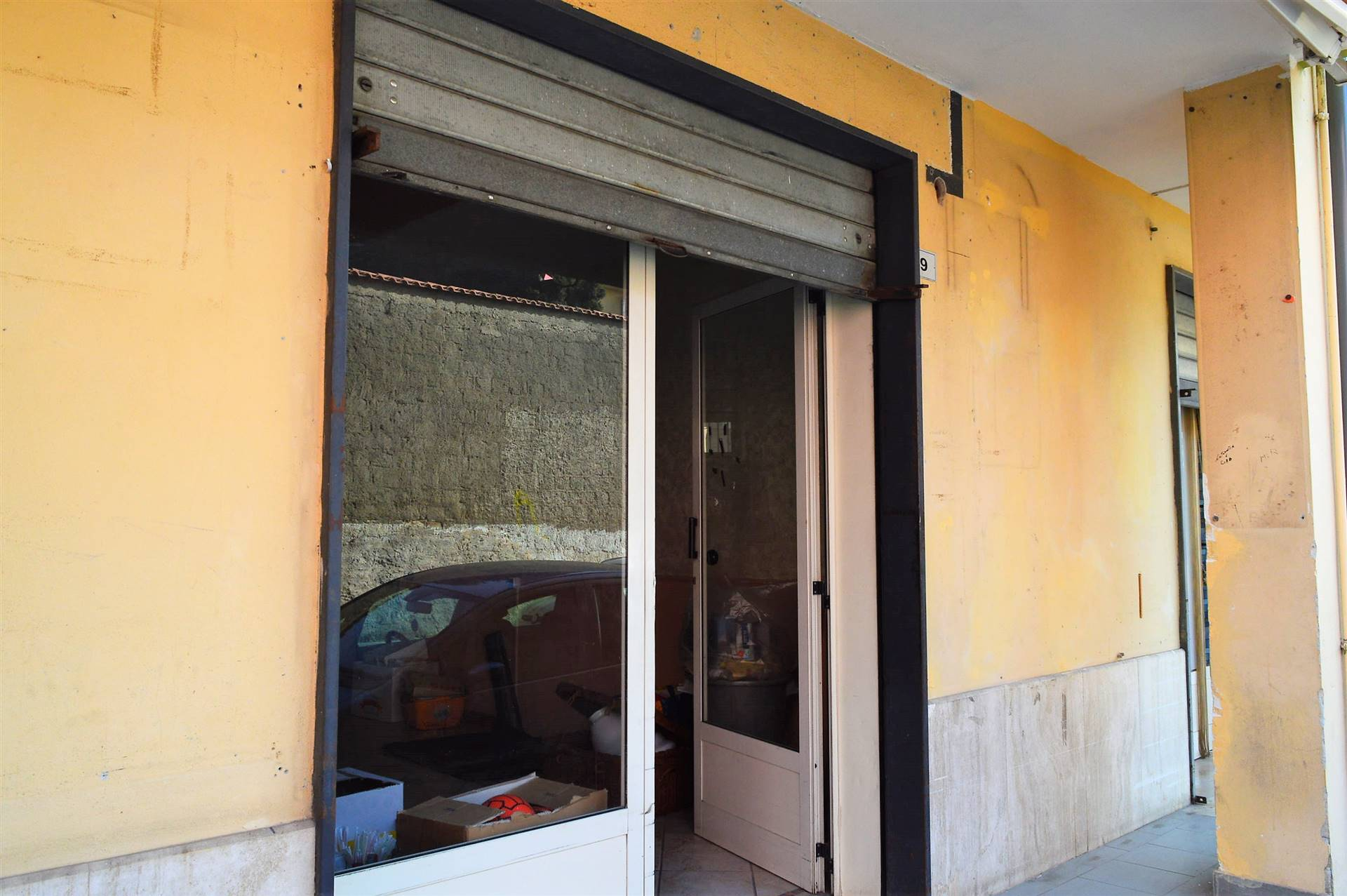 LF225D-Locale Commerciale-PORTICO-DI-CASERTA-Via-Tiziano-