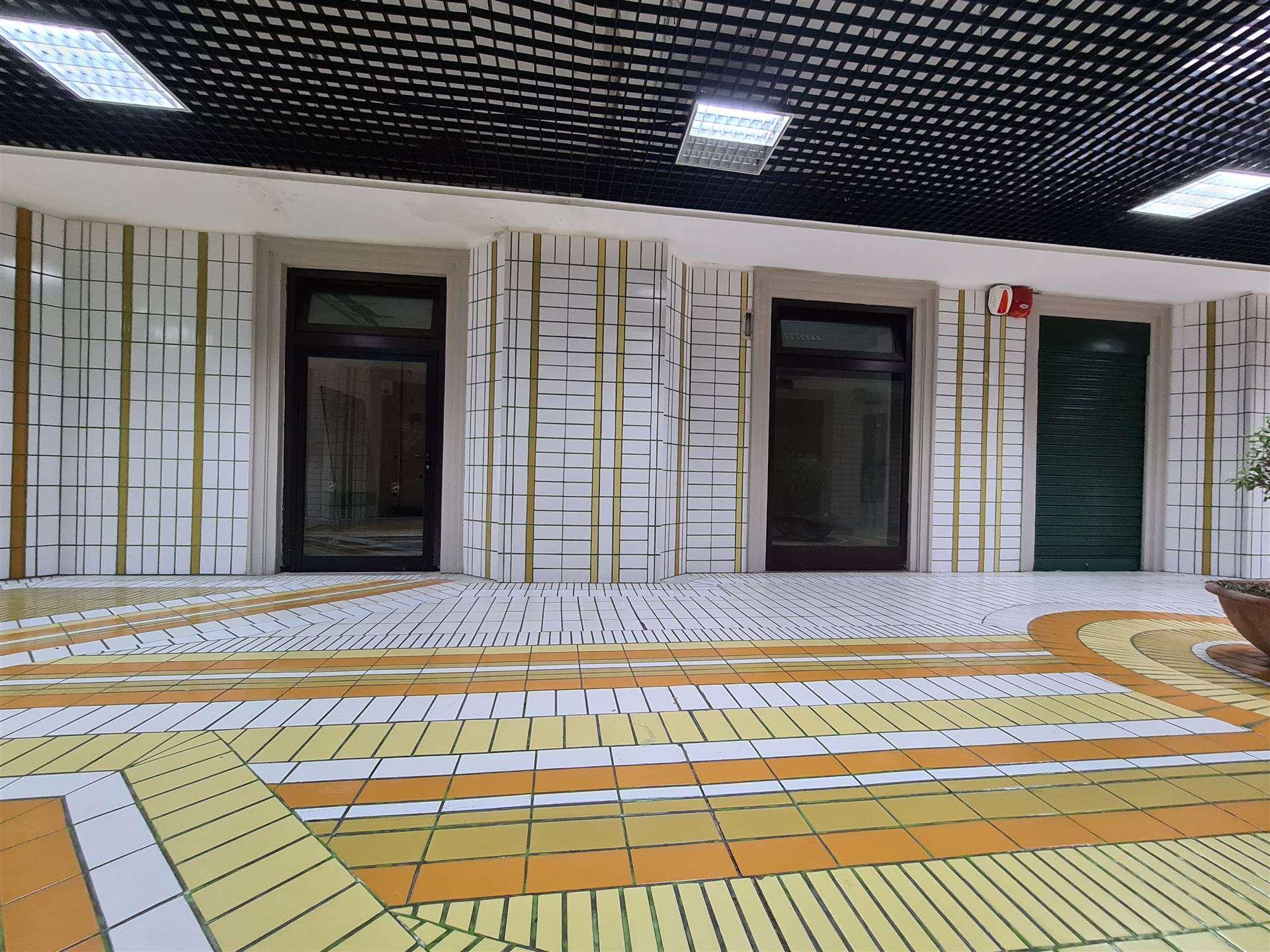 LF236A-Locale Commerciale-SANTA-MARIA-CAPUA-VETERE-Corso-Aldo-Moro