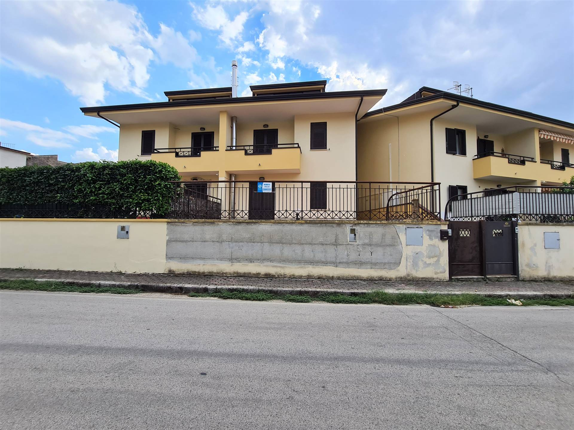 VV101A-Villa-CAMIGLIANO-via-Guglielmo-Marconi