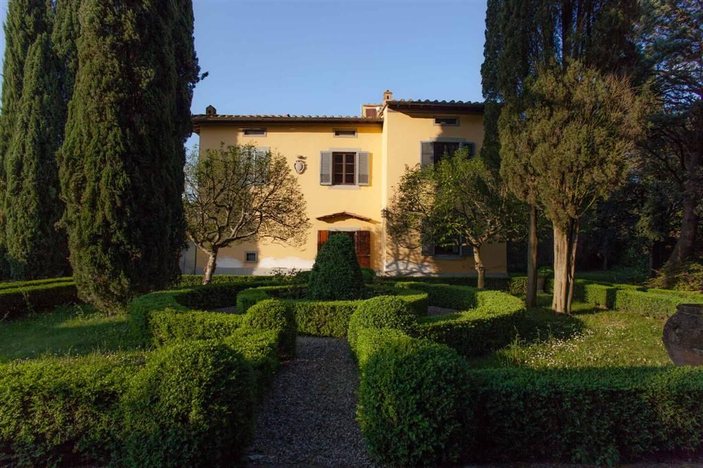 Villa in affitto a Firenze, 10 locali, zona Zona: 18 . Settignano, Coverciano, prezzo € 3.500 | CambioCasa.it