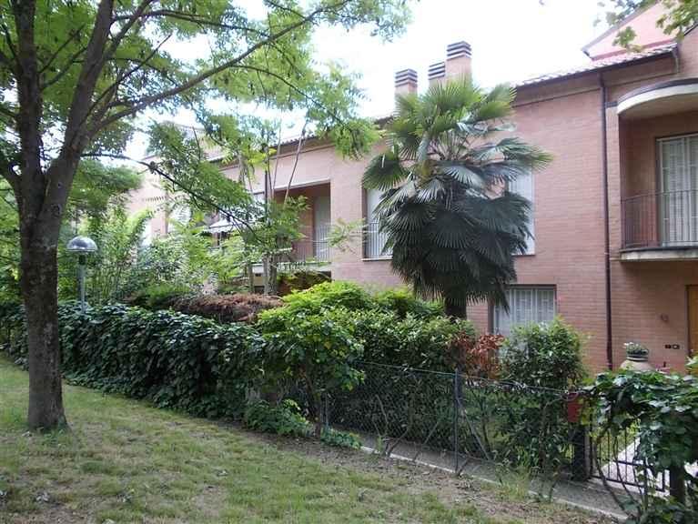 Villa a schiera in Via Ugo Foscolo, Mulino, Savignano Sul Panaro