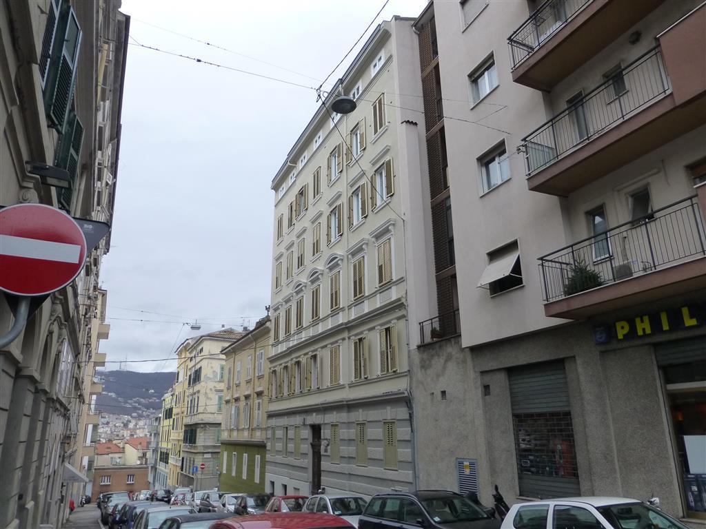 Trilocale in Va Paolo Diacono  8, Trieste