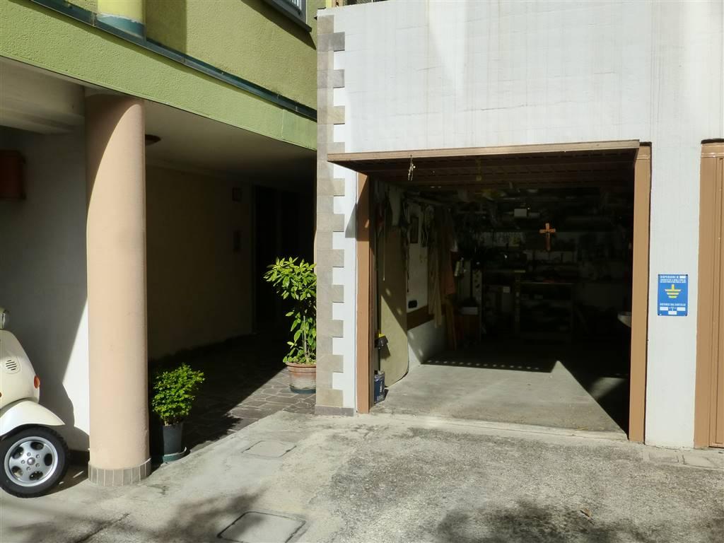 Vendita appartamento trieste quarto piano riscaldamento for Garage autonomo
