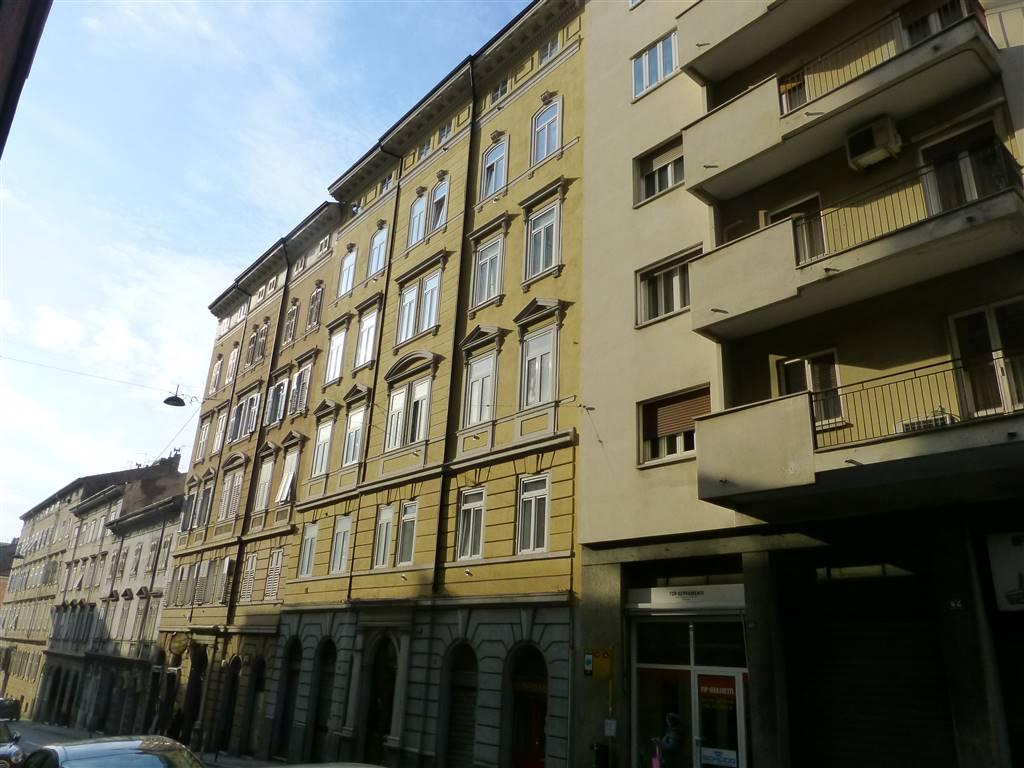 Quadrilocale in Via Pascoli 40, Semicentro, Trieste