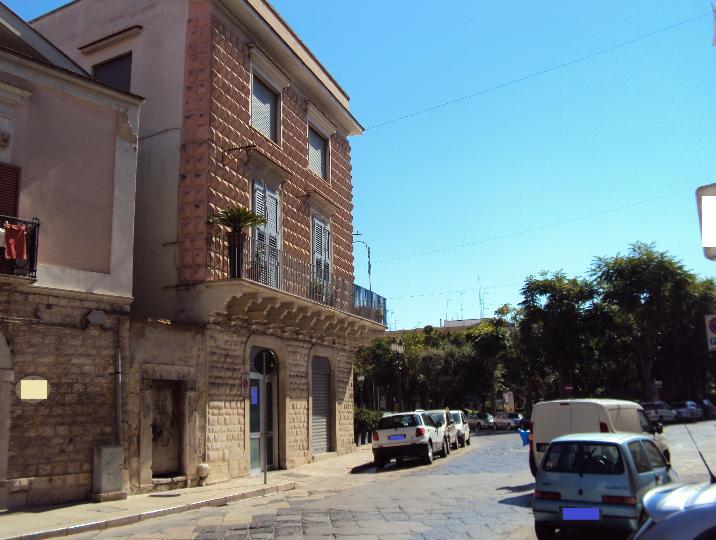 Locale commerciale, Barletta