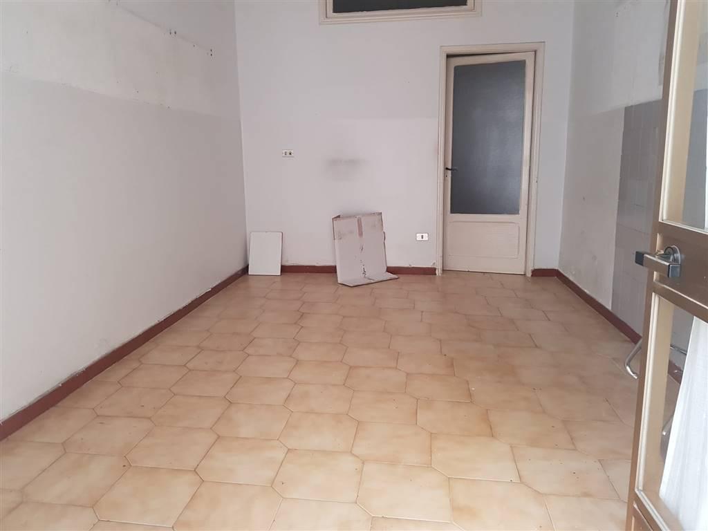 Appartamento in vendita a Barletta, 3 locali, zona Località: BARBERINI, prezzo € 60.000 | CambioCasa.it